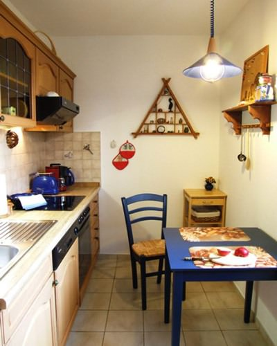 """Küche der Ferienwohnung """"Zum alten Pfau"""" im Ostseebad Göhren auf der Insel Rügen - Ihre private Unterkunft an der Ostseeküste"""