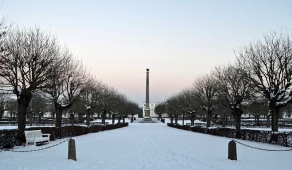 Circus von Putbus auf Rügen im Winter – Die weiße Rosenstadt an der Ostsee
