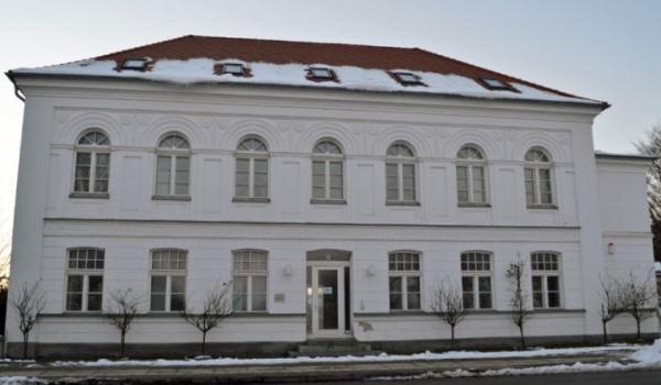 Klassizistische Gebäude in Putbus auf Rügen - Die berühmte Rosenstadt